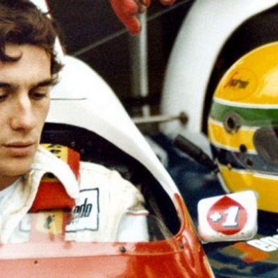 Ayrton Senna testaamassa autoaan Bürburgringin radalla vuonna 1984.