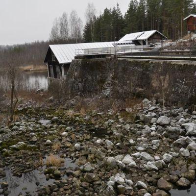 Lahnasenkoski Hiitolanjoella.