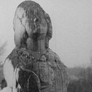 Puuveistos, kaljuunakuva Borstön neitsyt.