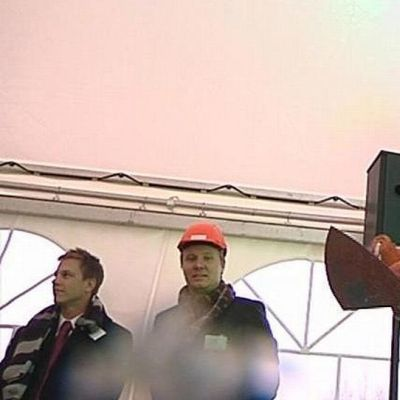 Työministeri Lauri Ihalainen sai betonin lentämään kameroiden päälle.