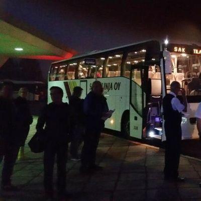 SAK:n bussit lähdössä Helsinkiin.