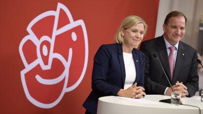 Magdalena Andersson och Stefan Löfven under valkampanjen 2018.