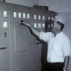 Majakka mestari Torsten Sjöblom esittelee Utön majakkaa 1973