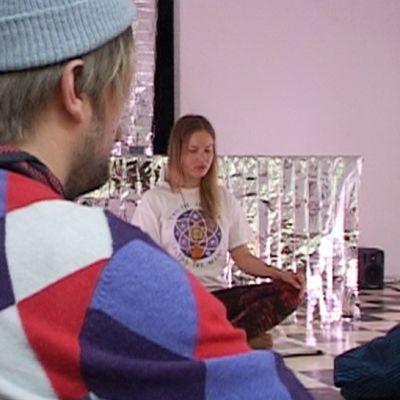 Meditointia Sorbus-galleriassa.