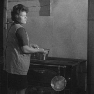 Savottakokki valmistaa ruokaa vuonna 1964.