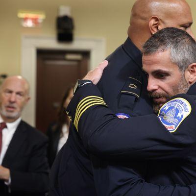 Poliisit kertovat väkivallasta kongressimellakan yhteydessä