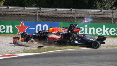 Verstappen och Hamilton krockar på Monza.