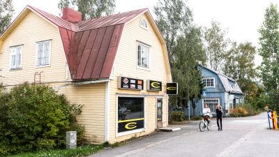 Trähus vid Stora Byvägen.