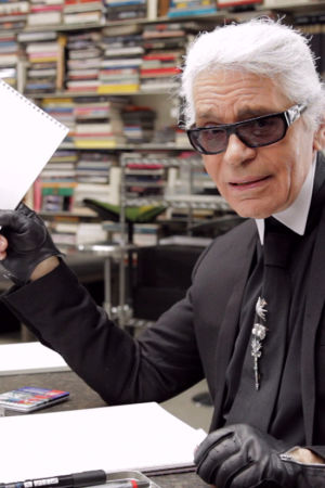 Minä, Karl Lagerfeld (Karl Lagerfeld Sketches Himself, Ranska, 2012).