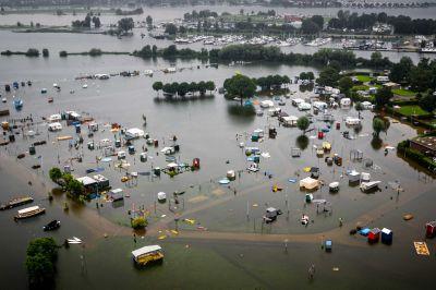 Campingområde i Roemond i Nederländerna täcktes av vatten.