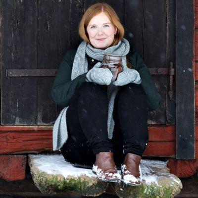 Elina Innanen on suositun Chocochili-blogin kirjoittaja.