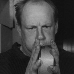 Martti Aukusti Pulkkinen savotan terveystarkastuksessa vuonna 1964.