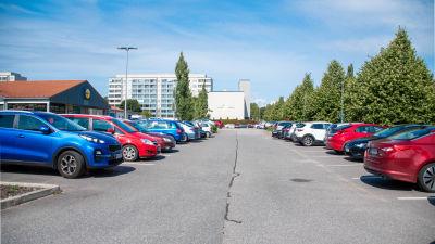 Bild på parkeringsplatsen vid butiken Lidl