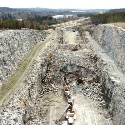 Kirrinkallion kallioleikkaus nelostiellä Jyväskylässä.