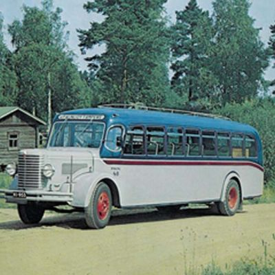 1939 vuosimallinen entistetty Sisu linja-auto,