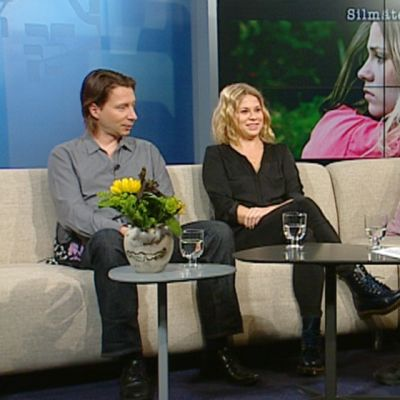 Silmäterä -elokuvan ohjaaja Jan Forsström ja päänäyttelijä Emmi Parviainen ovat Esko Rautakorven vieraina.