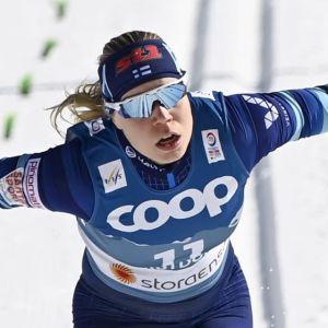 Jasmi Joensuu går i mål i VM.