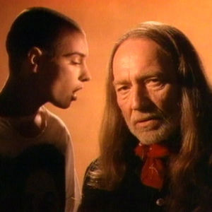 Sinead O'Connor ja Willie Nelson parilauloivat Don't Give Up -kappaleen