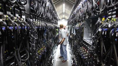 Ett av Microsofts datacenter som drar söktjänsten Bing. Centret på bilden ligger i en container och har en kapacitet på 5 petabyte eller ungefär 5 miljoner gigabyte.