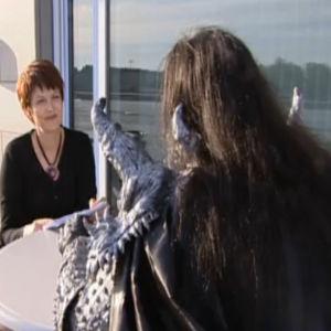 Salla Paajanen haastattelee Mr. Lordia Euvroviisuvoiton jälkeen.