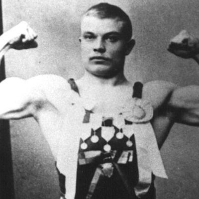 Ensimmäinen suomalainen olympiavoittaja Verner Weckman.