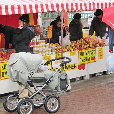Tiskillä omenoita ja hunajaa