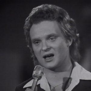 Pepe Willberg laulaa Euroviisukarsinnoissa 1974