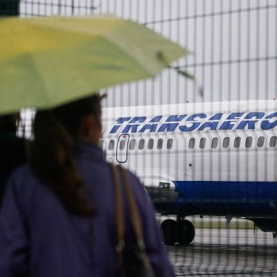 Venäläisen Transaero-yhtiön lentokone Kiovan kansainvälisellä kentällä Ukrainassa 27 syyskuuta 2015.