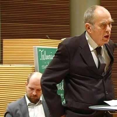 Jörn Donner puhui Arkadia-seuran tilaisuudessa 3. maaliskuuta.