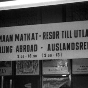 Matkatoimiston mainoksia