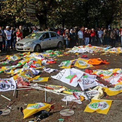 Ankaran pommi-iskun jälkiä 10. lokakuuta 2015.