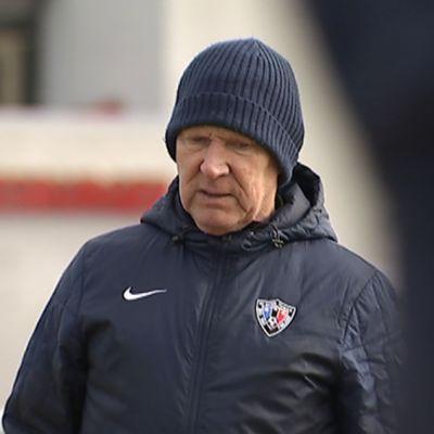 FC Interin päävalmentaja Job Dragtsma joukkueen harjoituksissa.