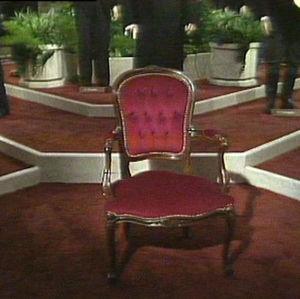 Mauno Koiviston vahakuva oli 1983 vasta tulossa kabinettiin.