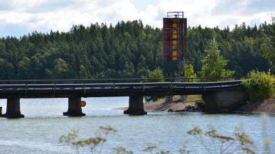 Gamla bron till Tyska holmen.