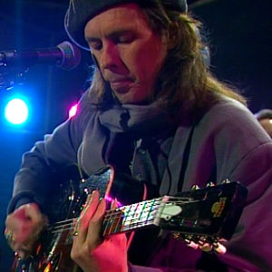 Dave Lindholm oli illan ensimmäinen live-esiintyjä