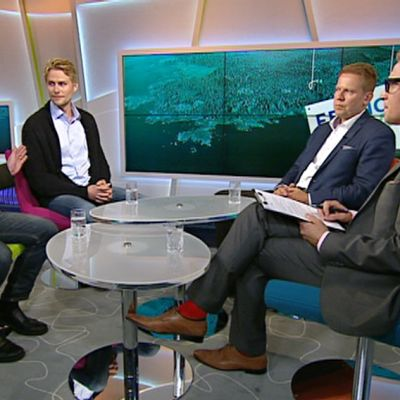 Kai Turunen, Antero Vartia ja Harri Jaskari Ylen aamu-tv:ssä perjantaina.