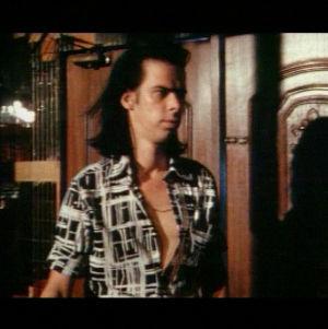 Australialaismuusikko Nick Cave kertoi haastattelussa musiikkivideonsa kummallisuuksista