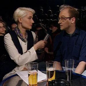 Musiikkivideo-ohjaaja Mika Taanila oli tehny videon Circlelle
