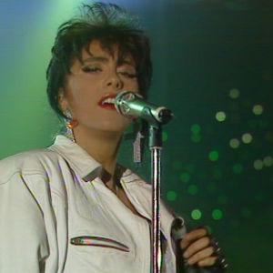 Sabrina laulaa Euroviisujen Suomen karsinnassa 1989