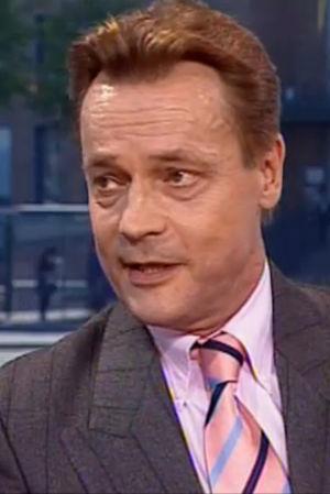 Timo T. A. Mikkonen vuonna 2001 Aamu-tv:n haastattelussa