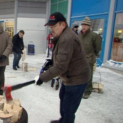 Kirveskeksintöjä esiteltiin Kuopiossa.
