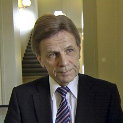 Mauri Pekkarinen haastateltavana