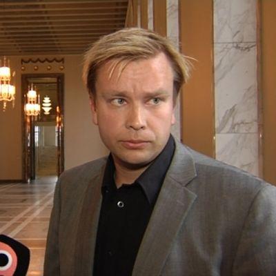 Antti Kaikkonen lämnar alla uppdrag i Ungdomsstiftelsen