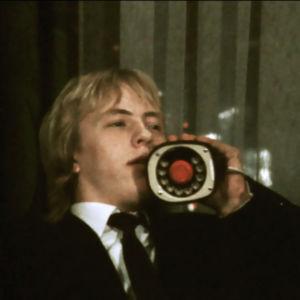 Puhelin ja teini. Niilon oppivuodet (1971).