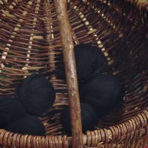 svart garn