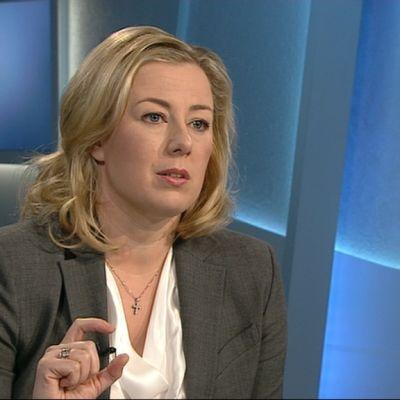 SDP:s ordförande, finansminister Jutta Urpilainen, i Morgonettan i TV1 5.4.2014