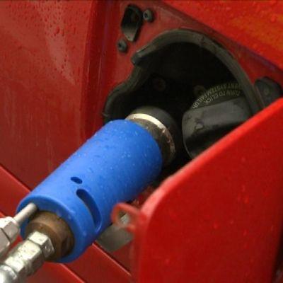 Jeppo Biogas gasstation är den första i Österbotten.