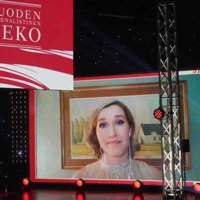 Terhi Pirilä-Porvali palkittiin Suuri Journalistipalkinto -gaalassa 2021 vuoden journalistisesta teosta.