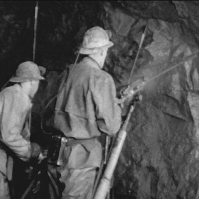 Arbetare i gruvan på Jussarö