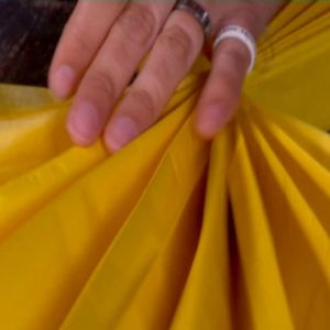 Puffa till pappret så att det skrynklar sig vackert